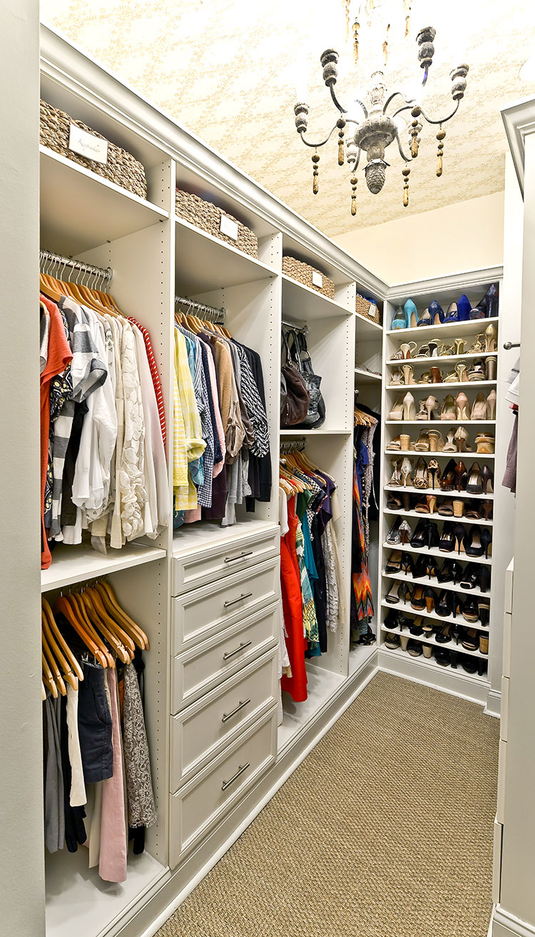 What a perfect closet looks like   15 Beautiful walk in closet ideas     What a perfect closet looks like   15 Beautiful walk in closet ideas    Style House Interiors
