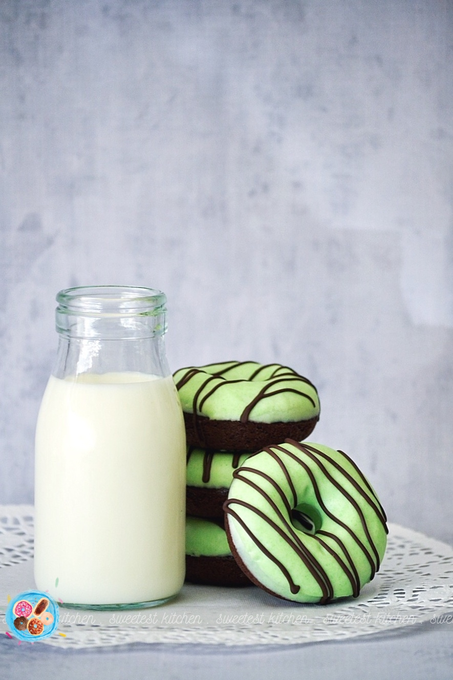 Mint Chocolate Baked Donuts Sweetest Kitchen
