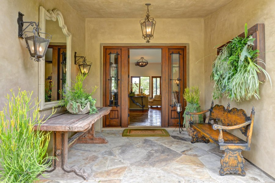 Tamara Palmer Interiors Owner and principal designer  Tamara Palmer  was born and educated in  California  She received her Bachelor of Arts degree in Interior Design  from the
