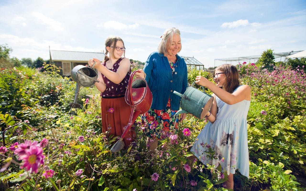 Gardening with children: inspire them through play and ...