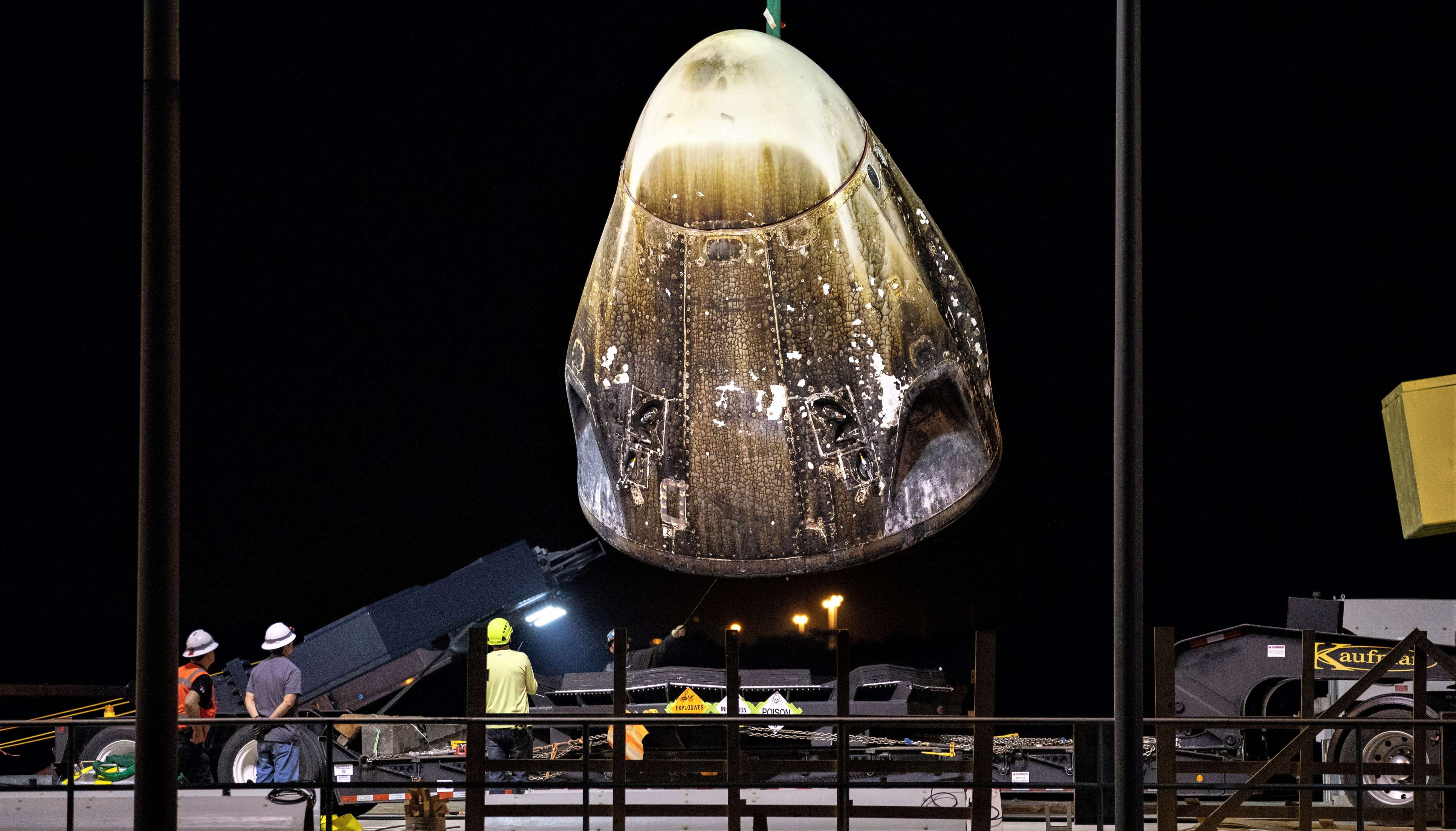 Spacex S Crew Dragon Suffers Catastrophic Explosion During
