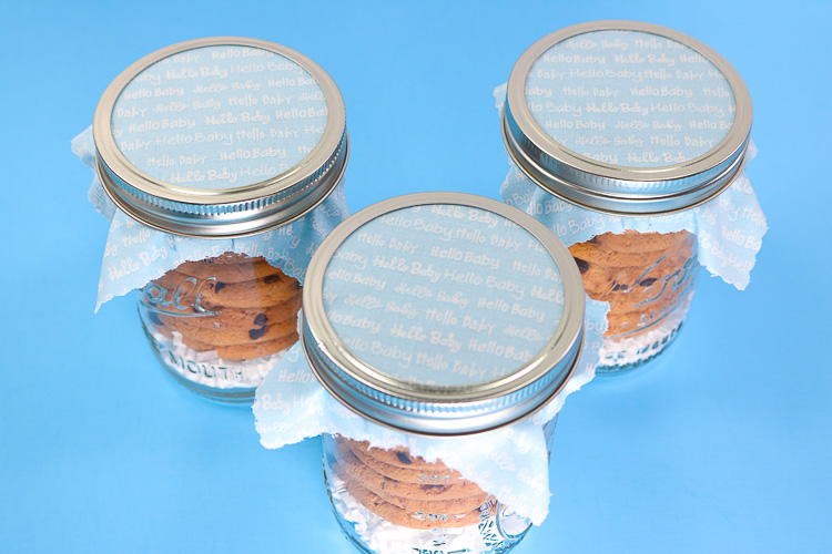 mason jar favors with fabric lids