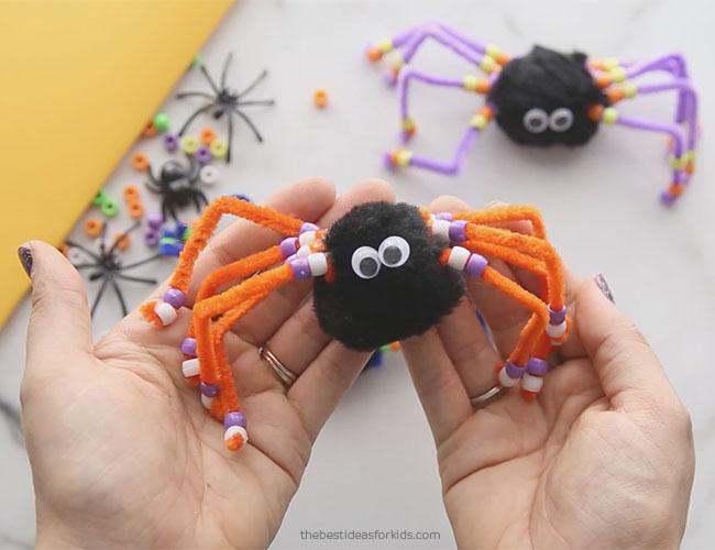 Halloween Spider Pom Pom Craft