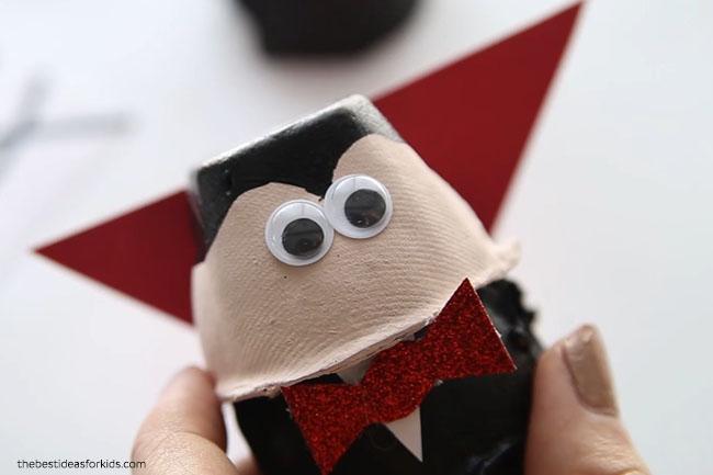 Make Vampire Head Egg carton