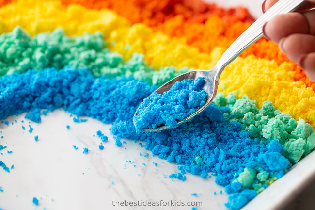 Add Baking Soda Mix in Rainbow Shape