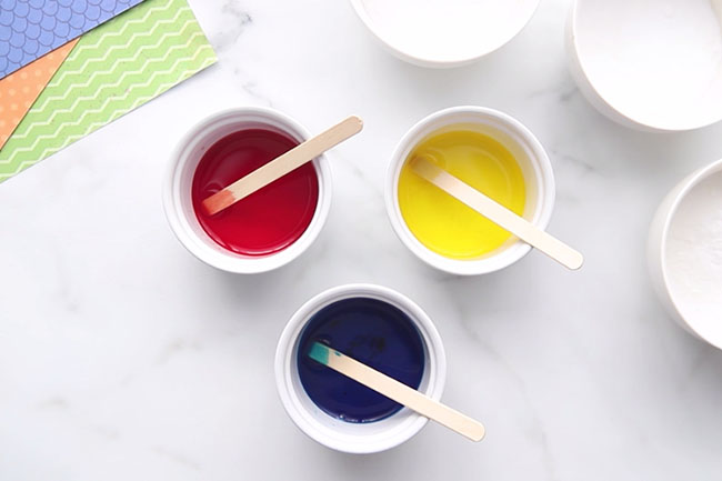 Mix Food Coloring With Water