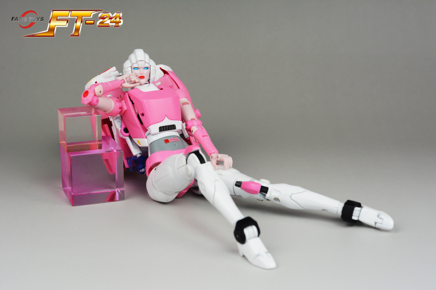 Fans Toys Ft 24 Rouge Arcee