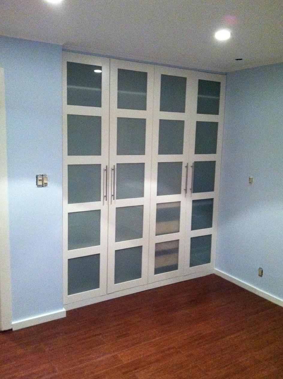 Reach In Closet Doors Home Design Ideas