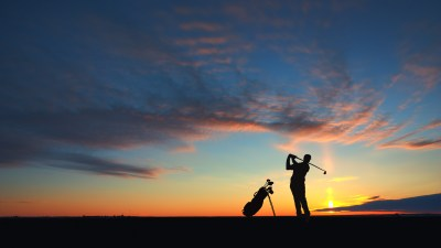 man-golf-player-hit-ball-to-air-silhouetted-in-sunset-golf ...