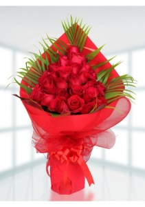 Buy 30 Red Rose Bouquet in Dubai UAE   Discounted 30 Red Rose     30 Red Rose Bouquet