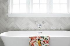 bathroom_soaking_tub