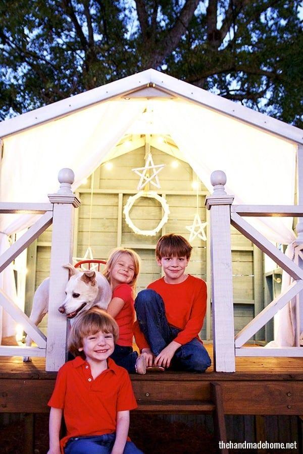 playhouse_and_christmas_decor