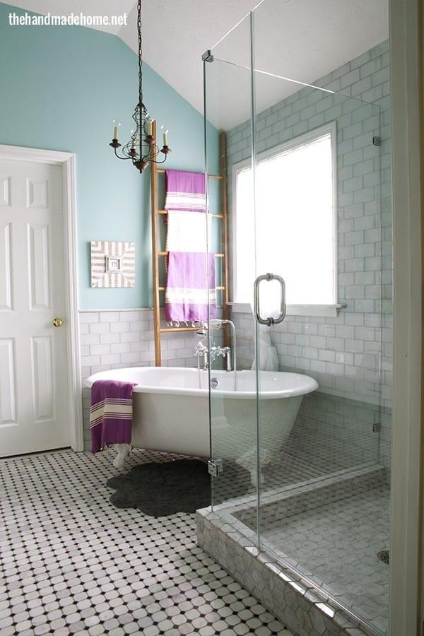 bathroom_clawfoot_bathtub1