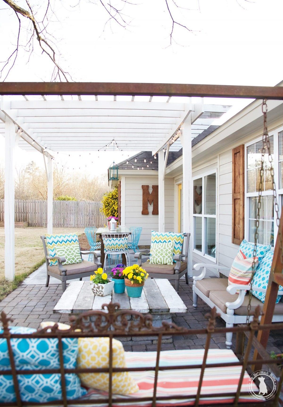 the_handmade_home_back_porch