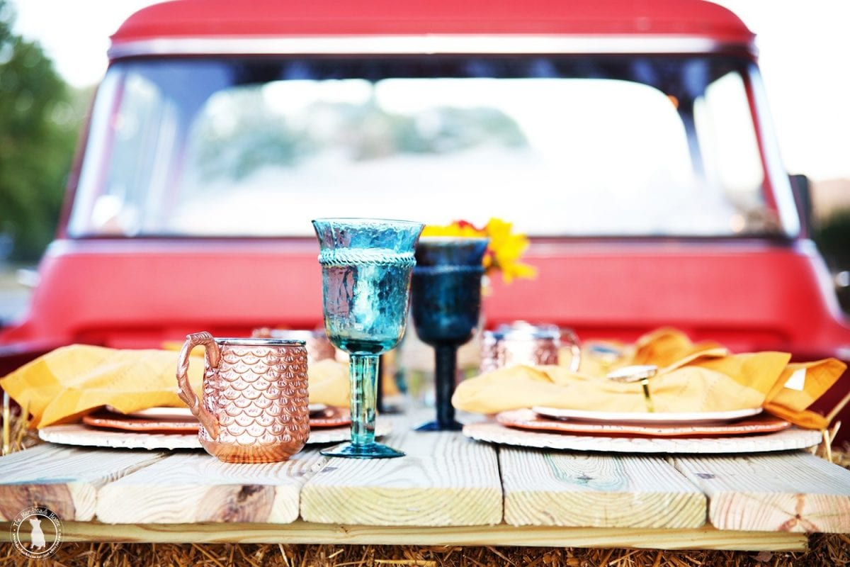 tablescape_back_of_truck2