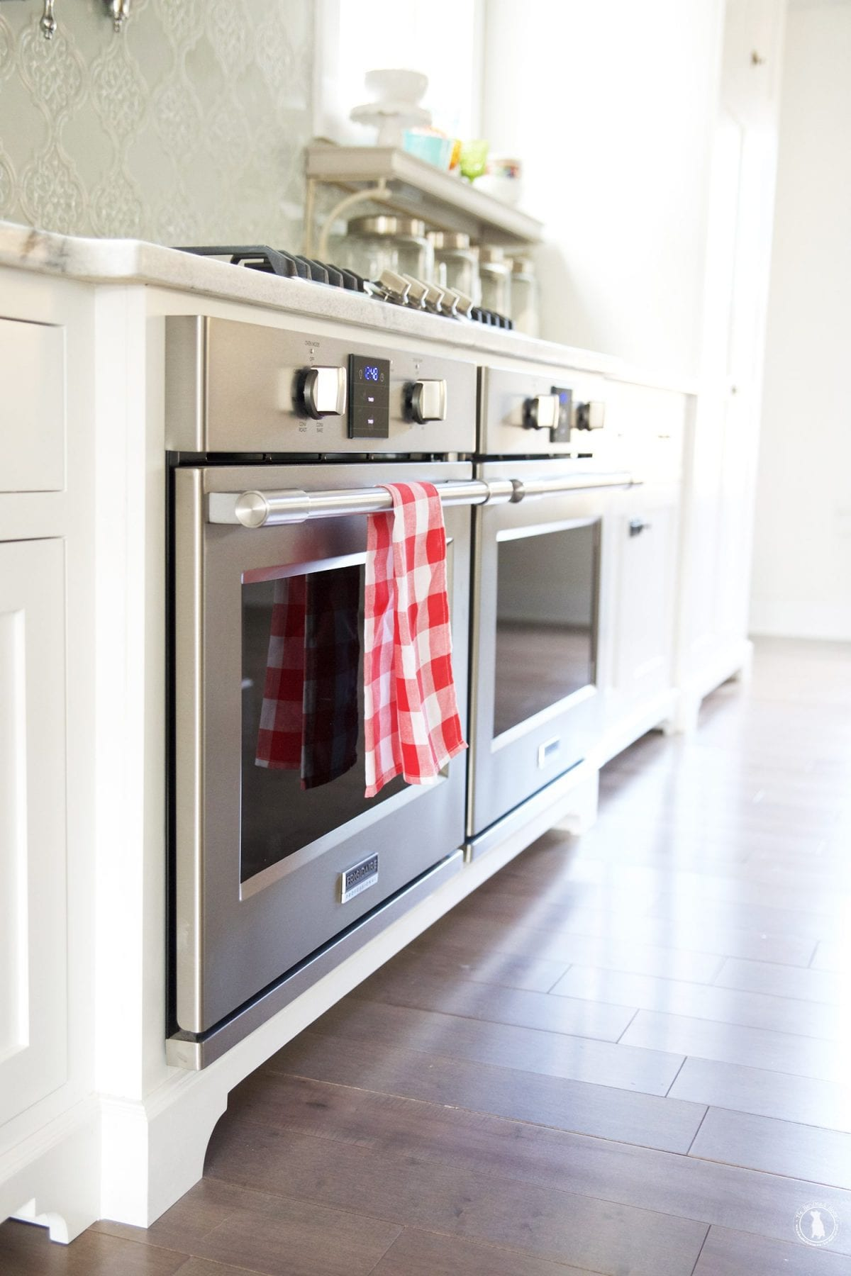 double_ovens_side_by_side