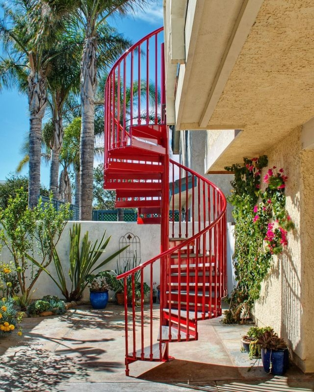 Diy Spiral Staircase As Low As 690 The Iron Shop Spiral Stairs   Trex Spiral Stairs Cost   Stair Treads   Composite   Stair Case   Steel   Handrail