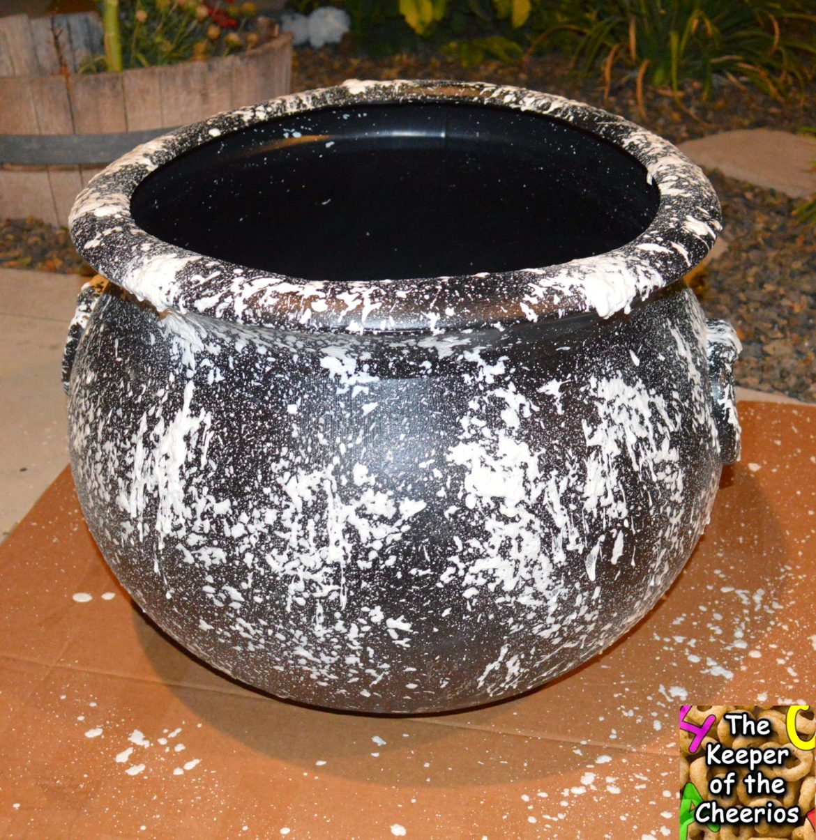 Diy Halloween Cauldron The Keeper Of The Cheerios