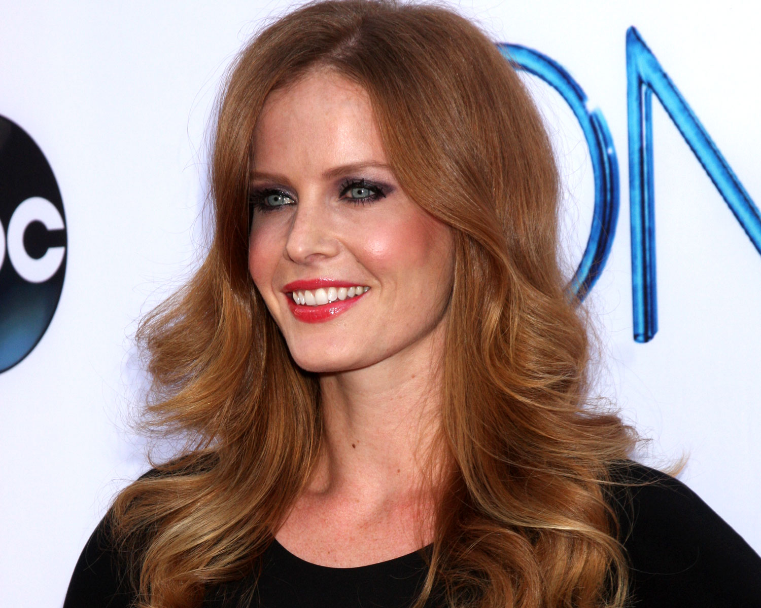 Once Upon a Time's Rebecca Mader Marries Marcus Kayne: Photos