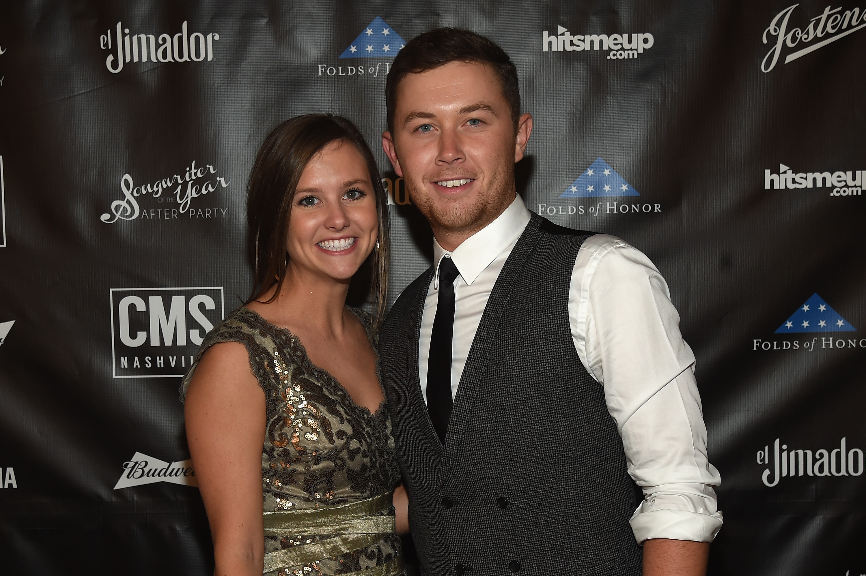 Scotty Mccreery Is Engaged To Gabi Dugal