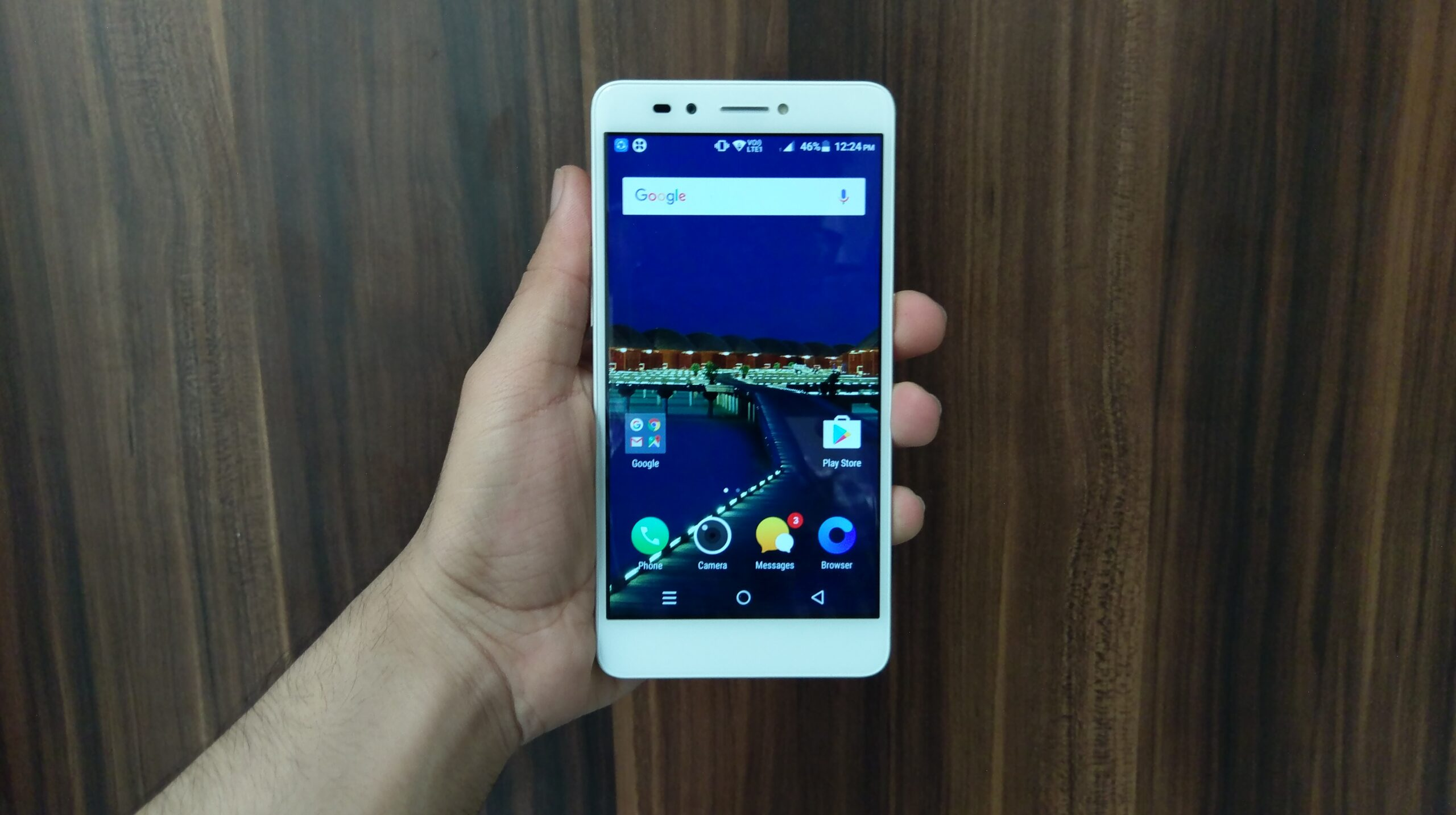 Lava Z25 in Pictures
