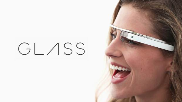 Facebook, Twitter makes social media connect with Google Glass