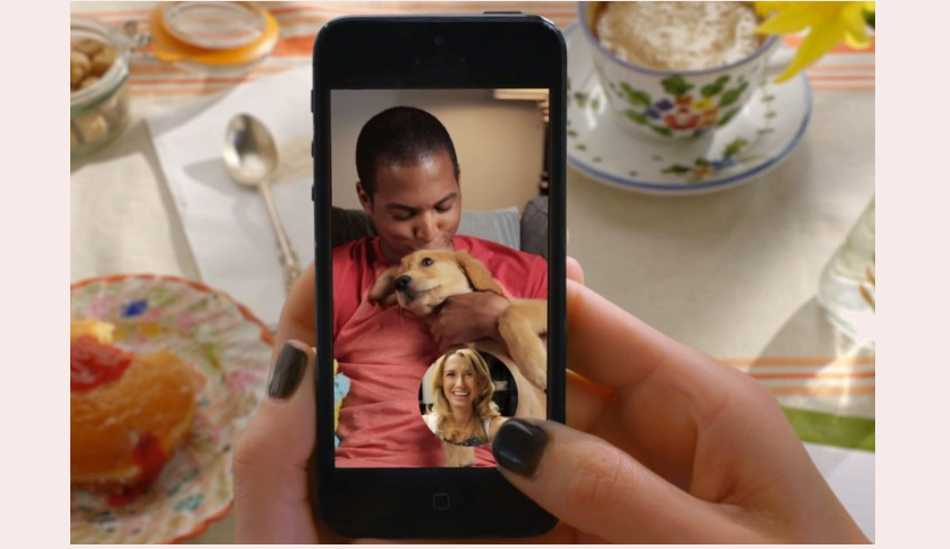 Snapchat app update brings live video, Instant Messaging