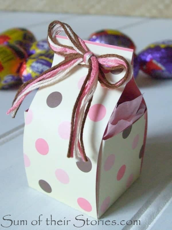 Easter egg box with thread