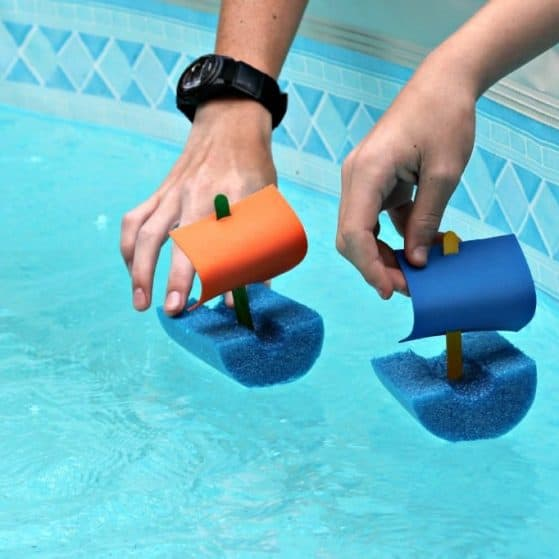 Great summer kids craft! You can make these quick and easy pool noodle boats in just a few minutes and the kids will play with them for hours!