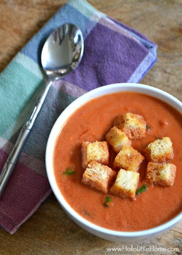This Creamy Tomato Soup with Garlic Croutons is the perfect cold weather comfort food ... plus, it's easy to make! | Hello Little Home for The Pinning Mama