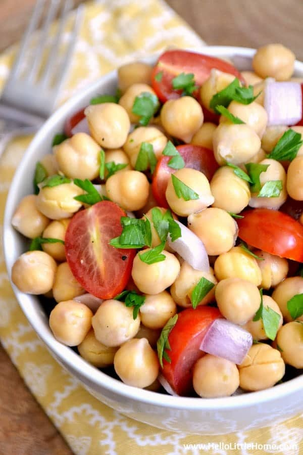 This Lemony Chickpea Salad is the perfect side dish or enjoy it as a light meal! | Hello Little Home