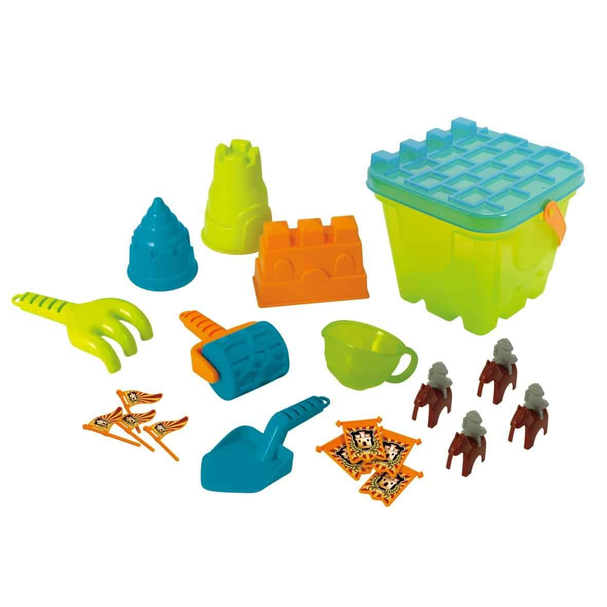 10+ Best Games and Toys for a Fun Day at the Beach: Deluxe Sand Castle Playset| www.thepinningmama.com