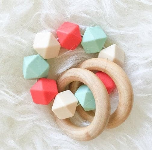 10+ Beautiful Handmade Baby Gifts: Teething Ring | www.thepinningmama.com
