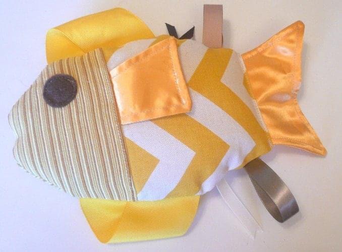 10+ Beautiful Handmade Baby Gifts: Plush Fish   www.thepinningmama.com