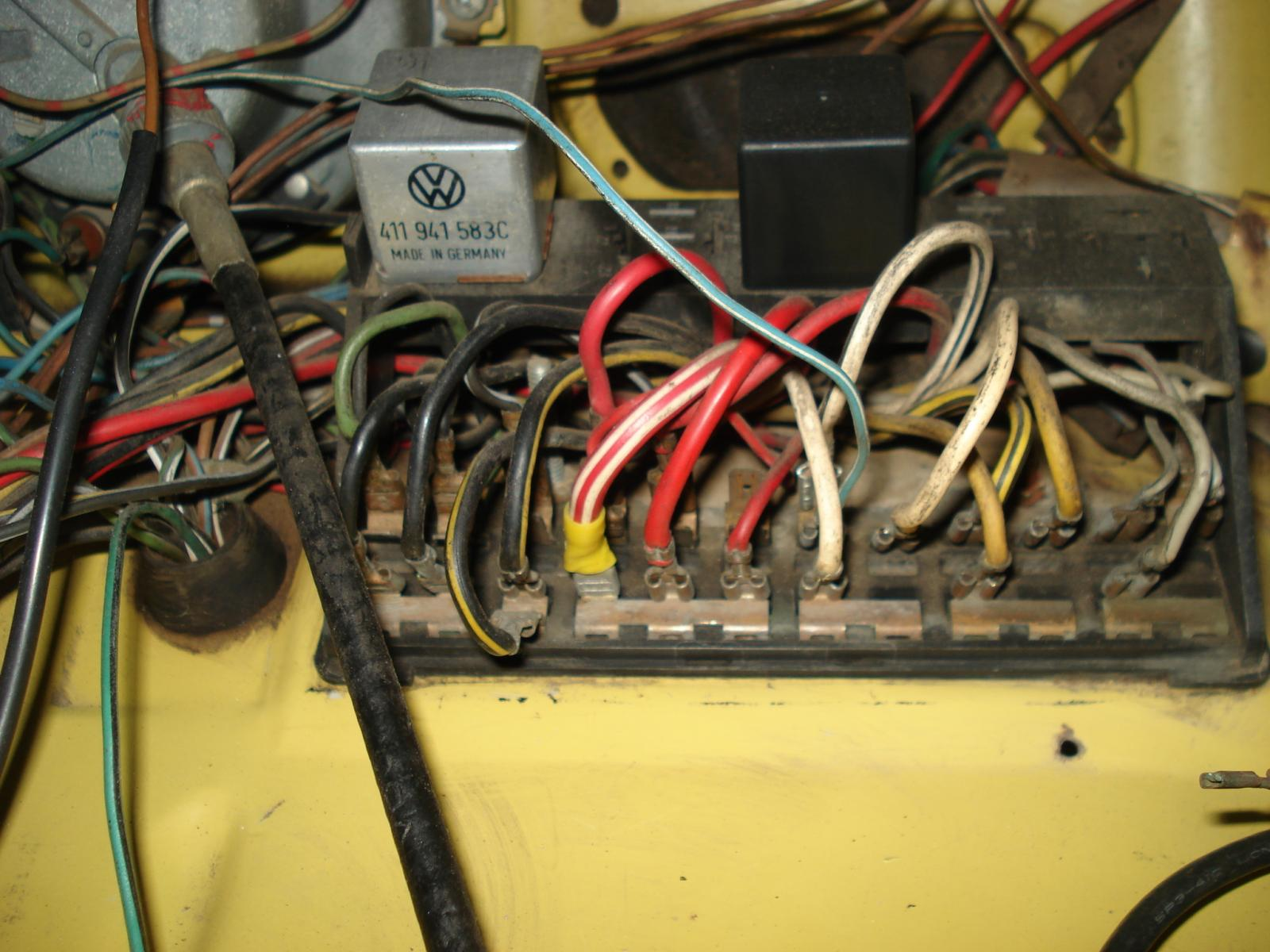 of 1970 vw bug fuse box wiring schematics diagram rh mychampagnedaze com 73  super beetle fuse box wiring 73 Beetle Racing