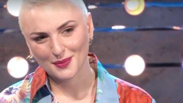 Arisa a Ballando con le Stelle: l'annuncio di Milly Carlucci e la sorpresa per la cantante in diretta