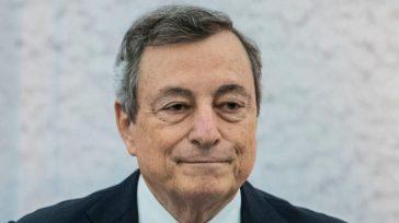 """Caro bollette, Mario Draghi in Senato tranquillizza. Von Der Leyen: """"L'Europa dipende troppo dal gas"""""""