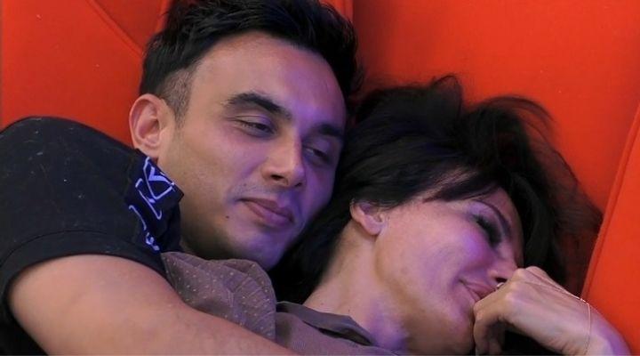 """Nicola Pisu e Miriana Trevisan sempre più vicini: """"Sono molto preso da te"""": i video"""