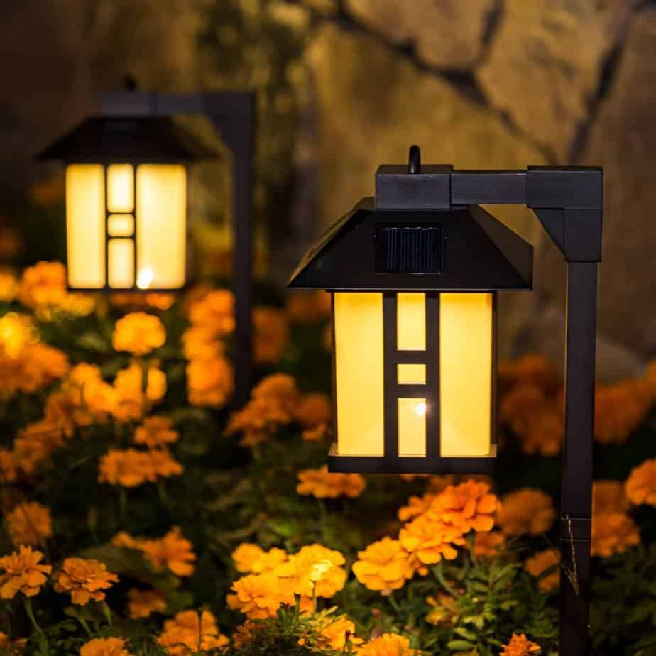 10 Best Solar Driveway Lights Buyers Guide Amp Reviews