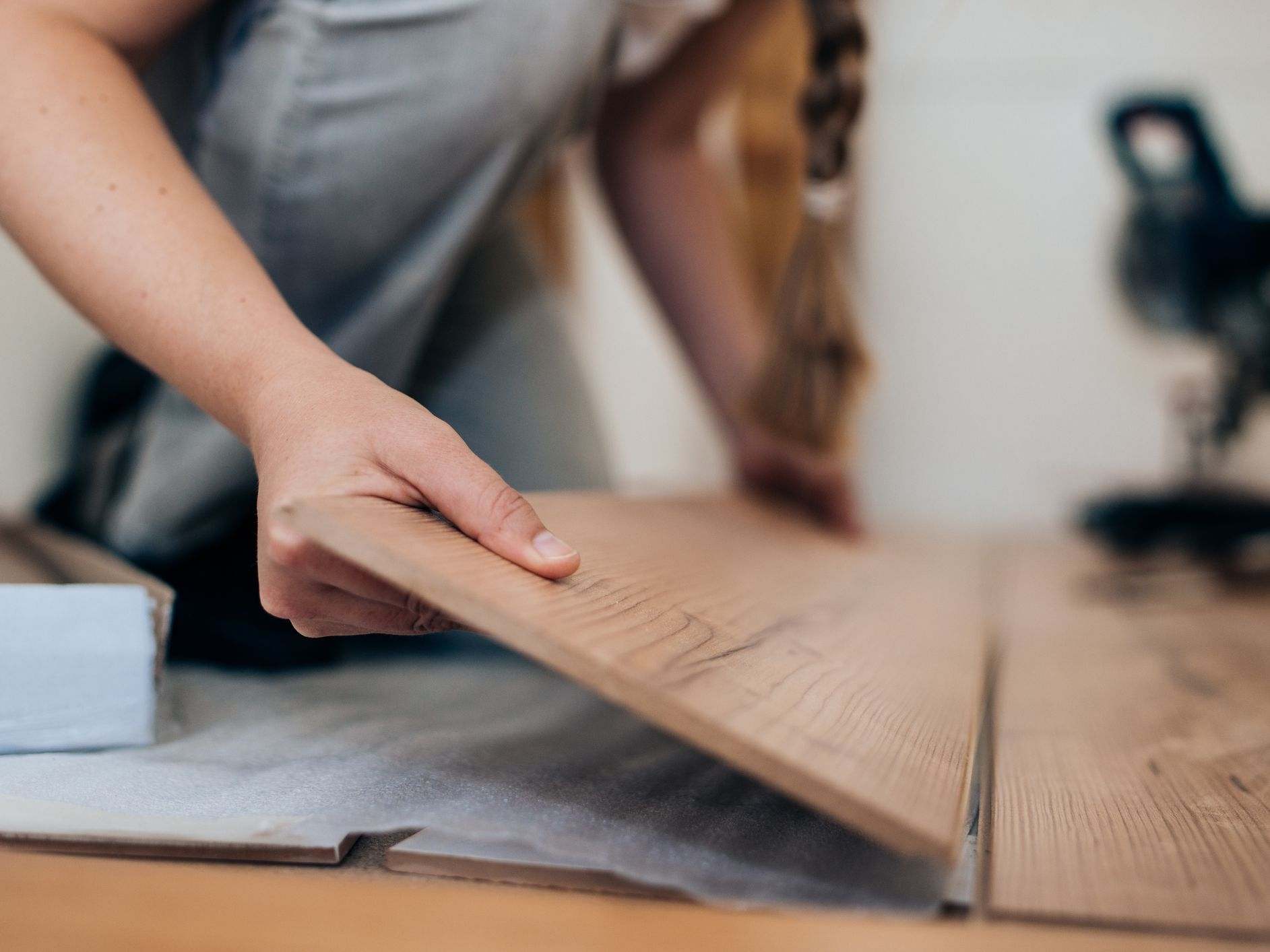 Floating Floors Pros And Cons | Installing Engineered Hardwood On Stairs | Laminate Flooring | Carpet | Edge Engineered | Nail Head | Dark Walnut