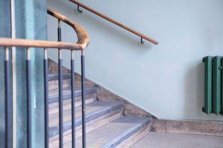 Stair Railing Building Code Summarized | Pre Made Stair Railings | Aluminum Railing | Wrought Iron Railing | Deck Railing | Cable Railing Systems | Metal