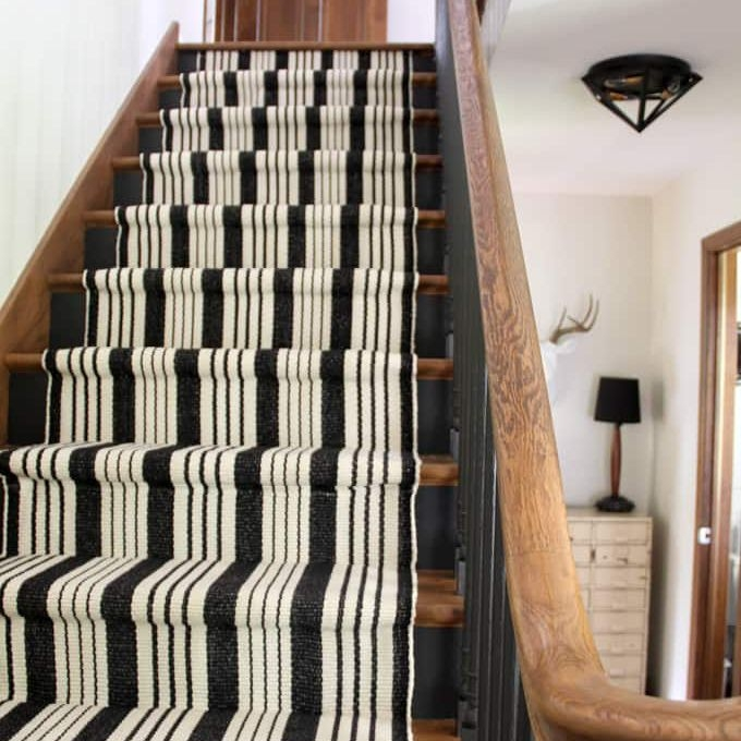 22 Gorgeous Painted Stair Ideas | Black And White Stair Runners | Staircase | Hallway | Cool | Diy | Jute