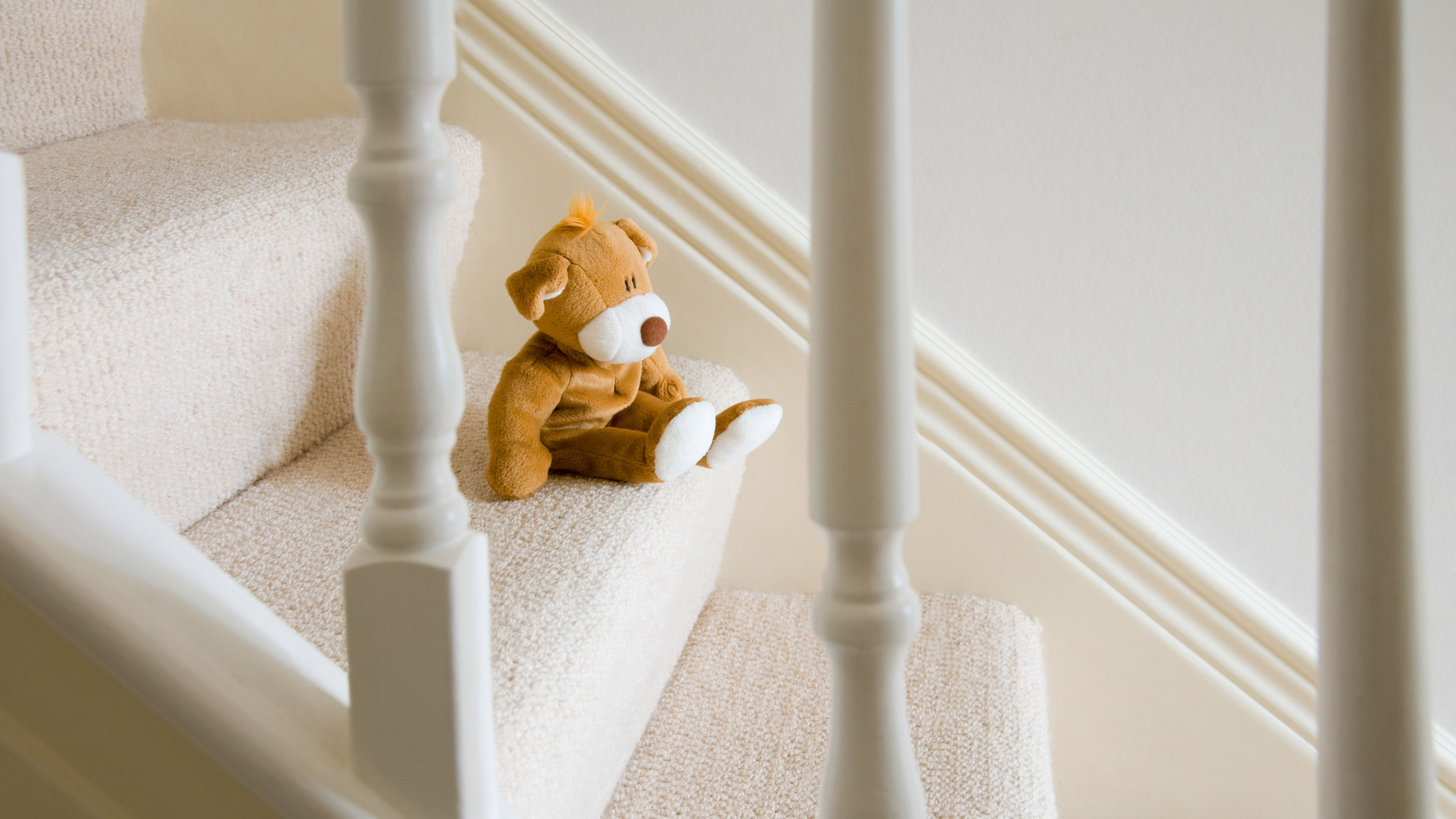 How To Choose The Best Carpet For Stairs | Low Pile Carpet For Stairs | Wool | Carpet Wrapped | Hallway | Bedroom | High End
