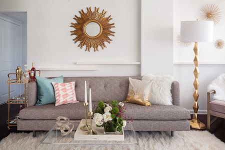 15 Beautiful Focal Point Ideas for Living Rooms Gold Glam Small Living Room