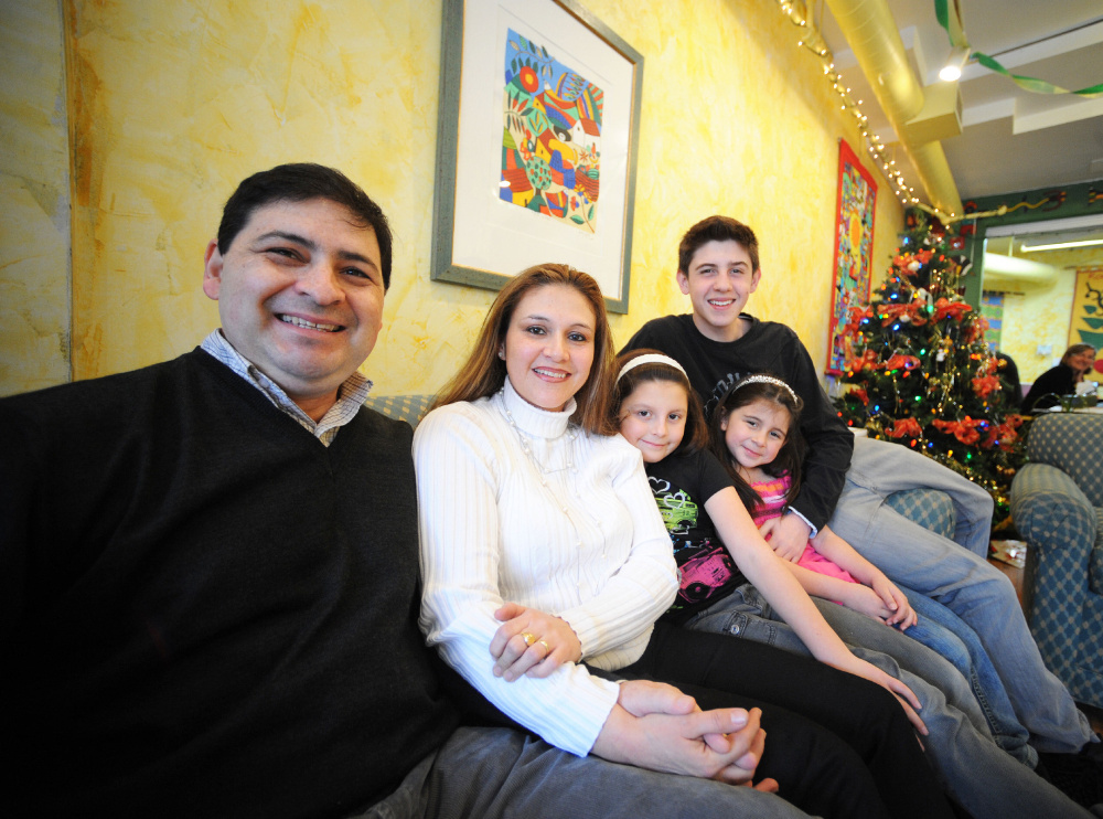 Refugee family remembers warm Christmas welcome | Toronto Star