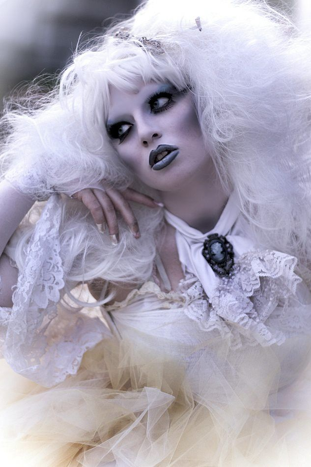 Scary Ghost Halloween Makeup Ideas