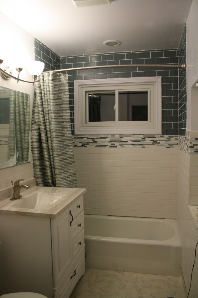 29 Ideas For Using Wainscoting Subway Tile In A Bathroom 2019