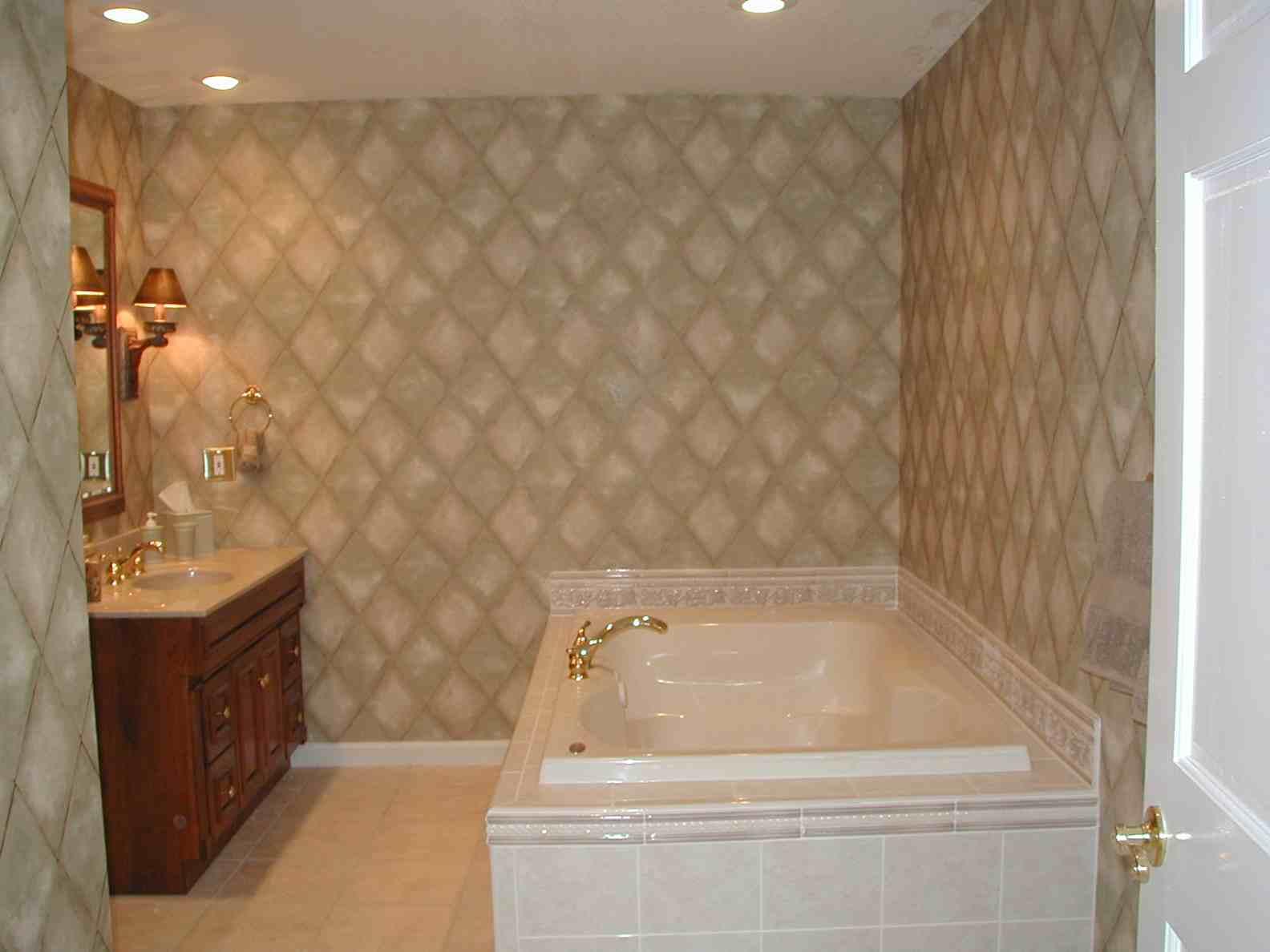 Tiny Bathroom Decor