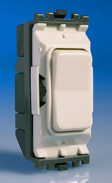 10 Amp Retractive Switch Centre Off Push Switch