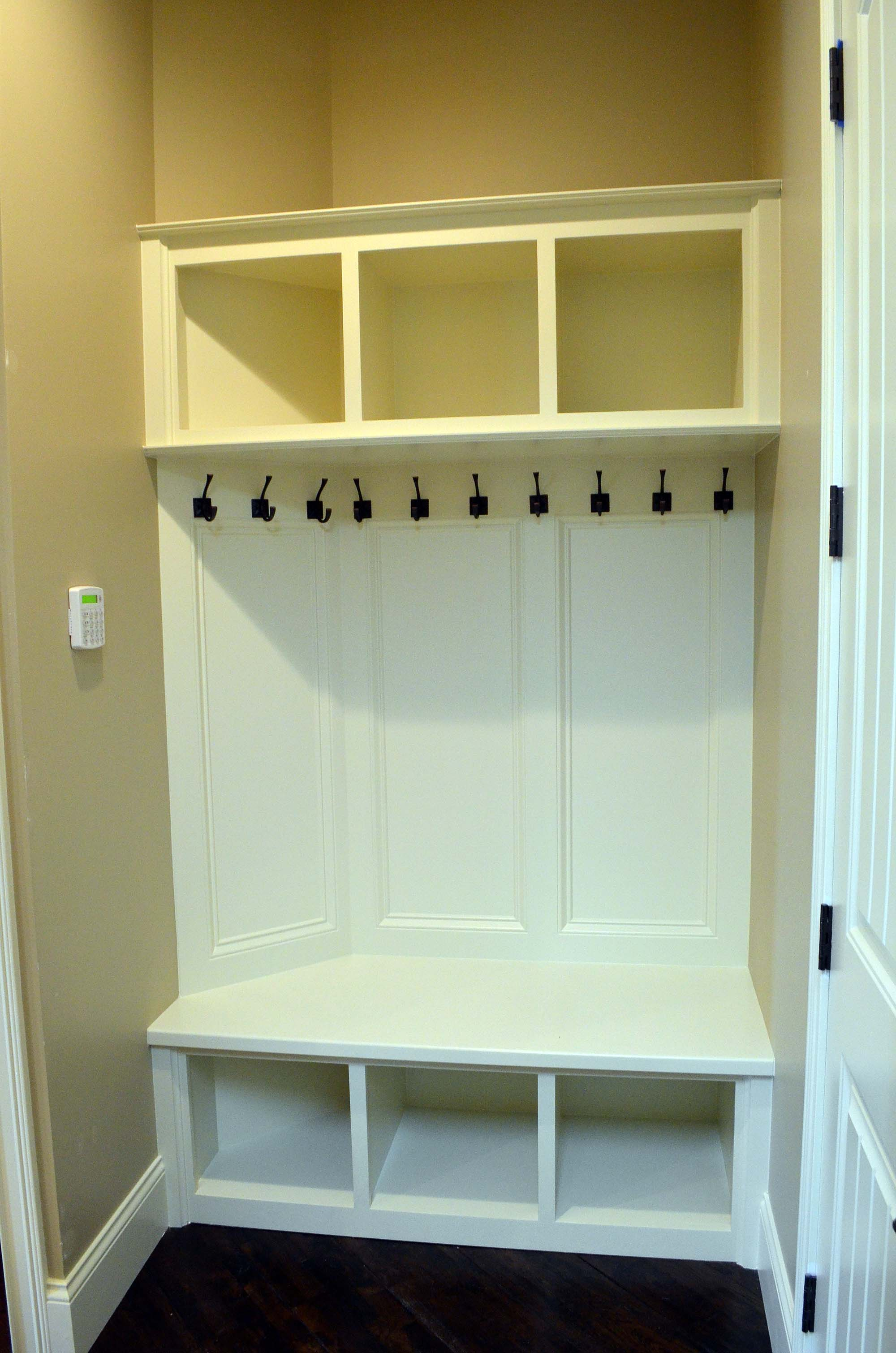 Built In Mud Room Bench Cubbies Custom Homes By Tompkins